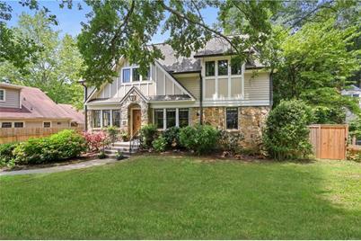 Awe Inspiring 325 Montgomery Street Decatur Ga 30030 Home Interior And Landscaping Mentranervesignezvosmurscom