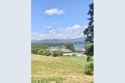 1612 Lakeview Drive - Photo 1