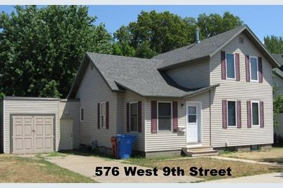 576 W King Street - Photo 1