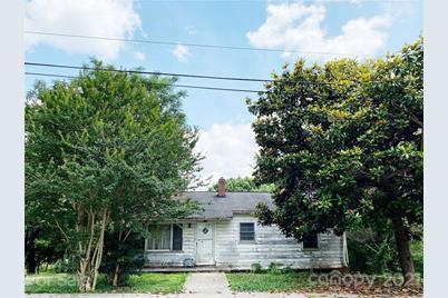 251 4th Avenue NE - Photo 1