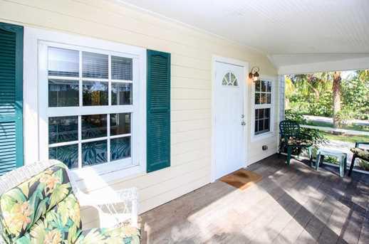 4140 NE Savannah Road - Photo 2