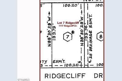 1117 Ridgecliff Drive - Photo 1