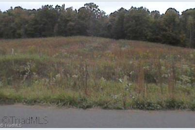 413 Wedgewood Drive - Photo 1