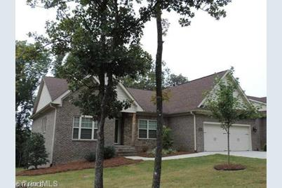 1719 Country Club Drive - Photo 1
