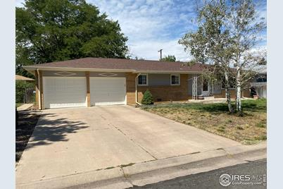 609 35th Ave Ct - Photo 1