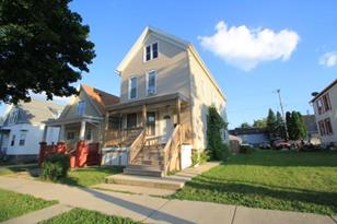 1127 W Maple St - Photo 1