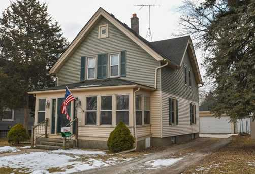 619 South St Oconomowoc Wi 53066 Mls 1571098 Coldwell Banker
