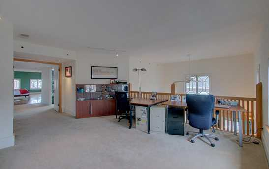 3243 N Summit Ave #2 - Photo 20