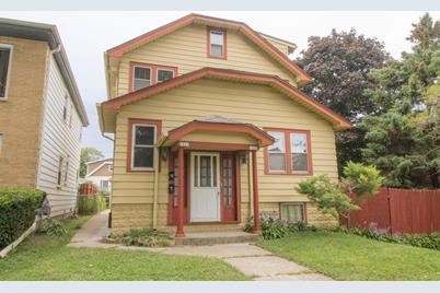 Astonishing 1935 S 70Th St West Allis Wi 53219 Home Interior And Landscaping Palasignezvosmurscom