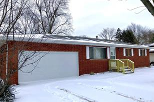 6580 Portage Avenue - Photo 1