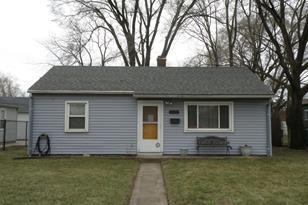 7626 White Oak Avenue - Photo 1