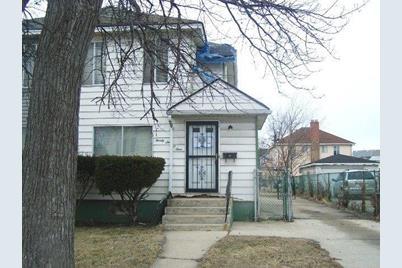 2604 E 141st Street - Photo 1
