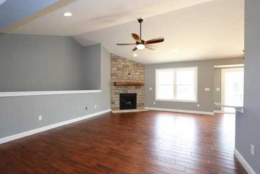 1335 Golfview Ct - Photo 6