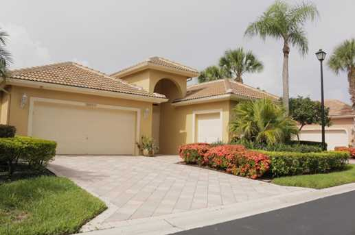 10658 Greenbriar Villa Drive - Photo 2