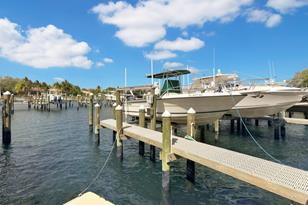 814 Bay Colony Drive S, Unit #With Boatslip - Photo 1