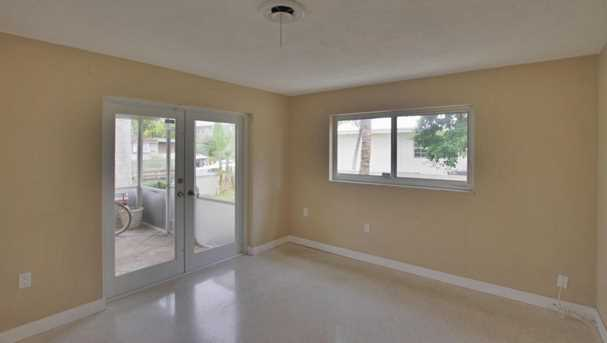353 SW 14th Place - Photo 6