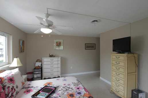 353 SW 14th Place - Photo 16