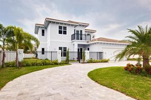 230 NW 9th Street - Photo 1
