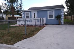 2642 Saranac Avenue - Photo 1