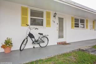 200 SW Golfview Terrace, Unit #128 - Photo 1