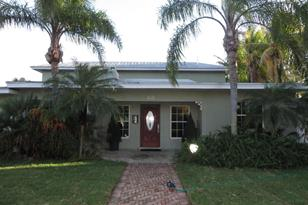 525 NW 7th Street - Photo 1