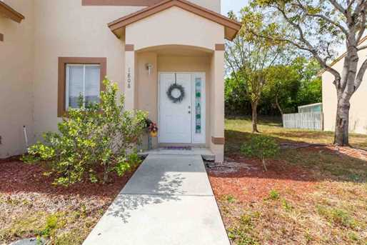 1808 Lakeview Dr W - Photo 2