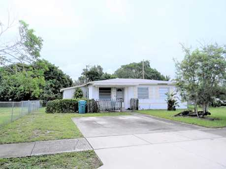 1430 NW 1st Court - Photo 1
