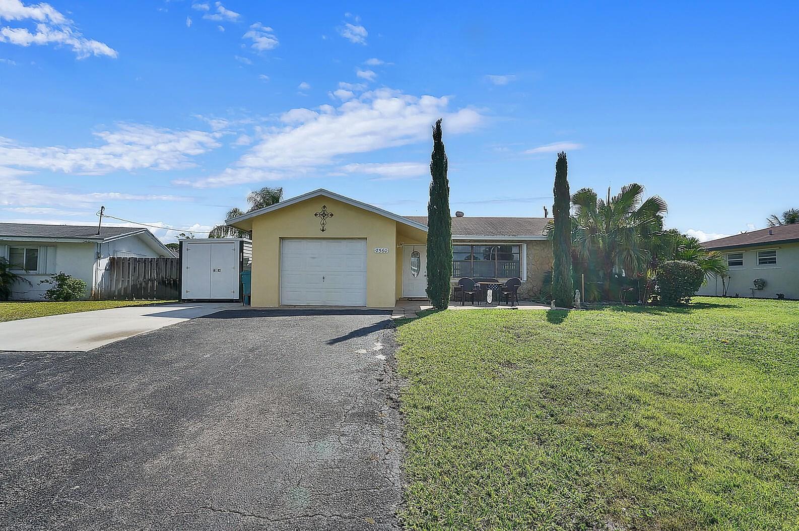 2560 Sw 11th St, Boynton Beach, FL 33426