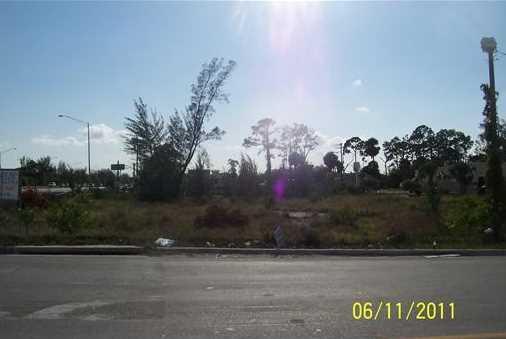 7037 Southern Boulevard - Photo 12
