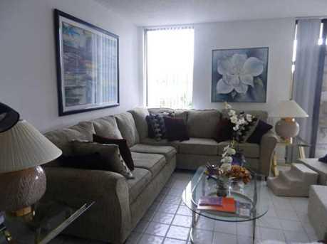 3405 Bridgewood Drive - Photo 2