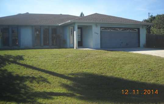 702 Nw Orchid Street - Photo 1