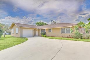 1281 SW 27th Place - Photo 1