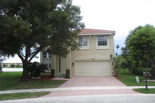 2455 Sawyer Terrace - Photo 1