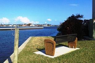 20 Harbour Isle Drive, Unit #201 - Photo 1