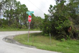 1697 SW Hunnicut Avenue - Photo 1