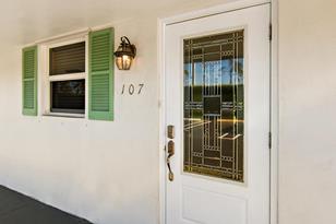 400 SW Golfview Terrace, Unit #107 - Photo 1