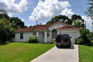 988 SW Whittier Terrace - Photo 1