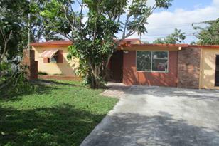 2575 NE 13th Terrace - Photo 1