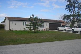 485 SE Fairchild Avenue - Photo 1