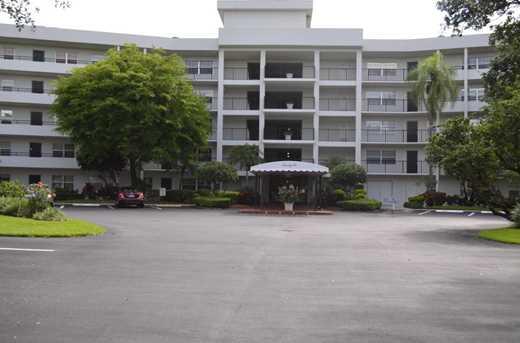 3900 Oaks Clubhouse Drive, Unit #511 - Photo 1