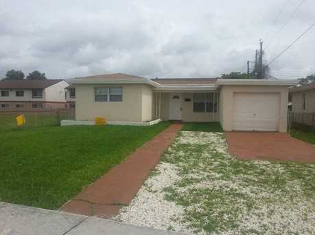 2401 NW 7th Street - Photo 1