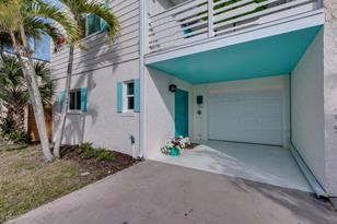 10 Colonial Drive - Photo 1