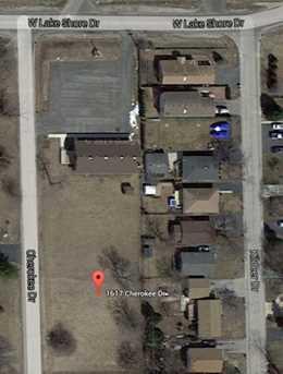 1617 Cherokee Drive - Photo 2