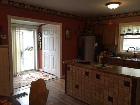 210 East Chester Street - Photo 6
