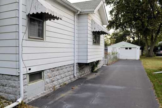 18015 Oak Avenue - Photo 2