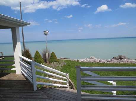 8631 Lakeshore Drive - Photo 2