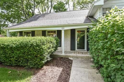 905 Oakwood Terrace - Photo 4