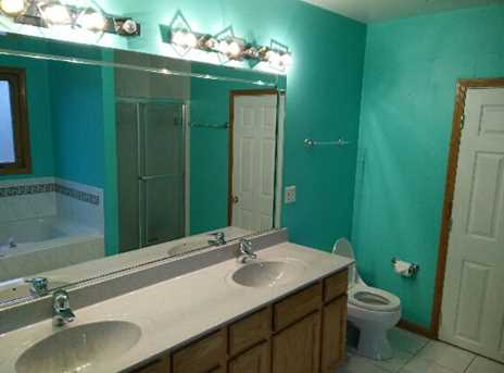 8725 West 98th Place - Photo 6