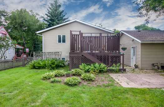 982 Holiday Dr - Photo 4
