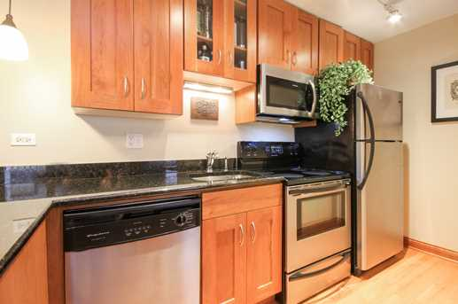 512 West Barry Ave #404 - Photo 4